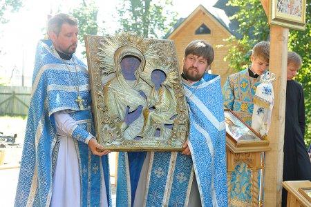 Праздник Тихвинской иконы Божией Матери в Путилово у Храма Тихвинской иконы Божией Матери