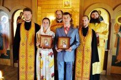 Приход строящегося собора Сошествия Святого Духа на апостолов поздравляет Адама и Марию Бокаревых, венчание которых состоялось 3 августа!