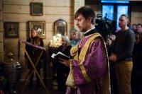 Митрополит Варсонофий совершил Всенощное бдение в Никольском храме на Долгоозерной улице