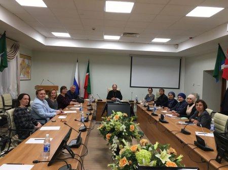 Протоиерей Александр Ткаченко принял участие в круглом столе, посвященном вопросам благотворительности, в Татарстане