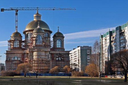 Строящийся собор на Долгоозерной улице станет четвертым по величине в Петербурге